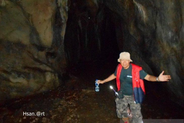 FKH Banjarmasin ekspedisi ke Gua Romeo Marajai, Halong
