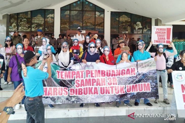 Warga minta Bupati Bogor tangani perkara air di perumahan Sentul City