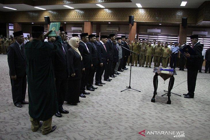 Plt Gubernur Aceh mutasi 24 pejabat eselon II di  Aceh