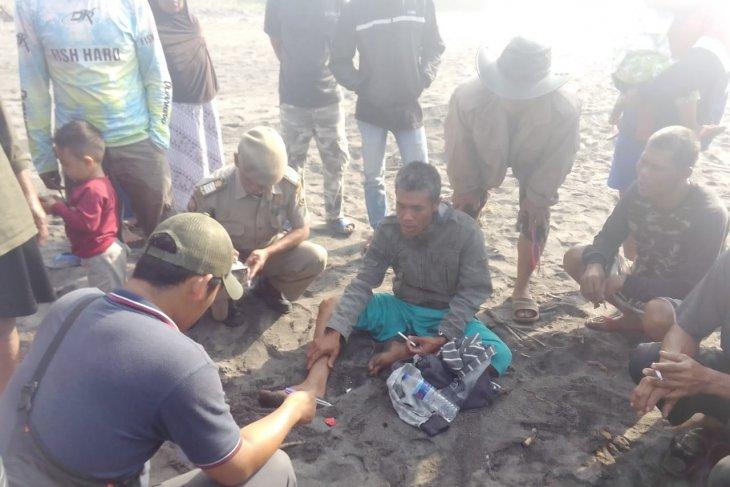 Perahu dihantam ombak, dua nelayan selamat satu lainnya dilaporkan hilang