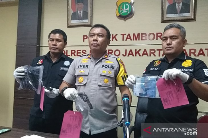 Korban 11 TKP pemerasan-curas polisi gadungan Tambora didalami polisi