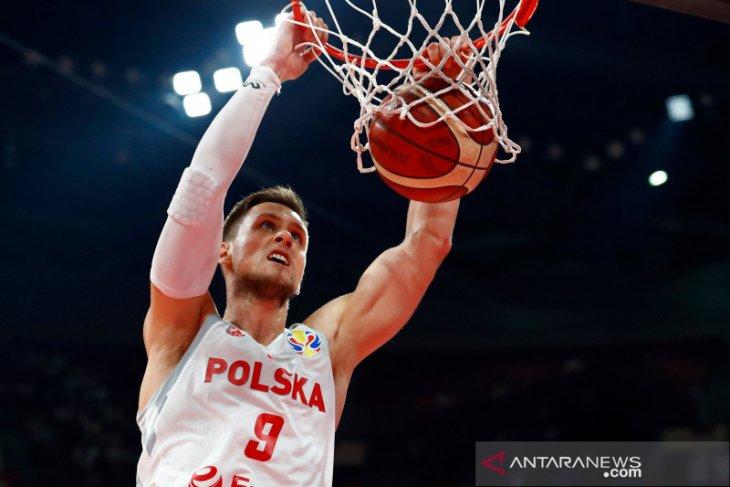 Polandia mantapkan status sebagai juara Grup A