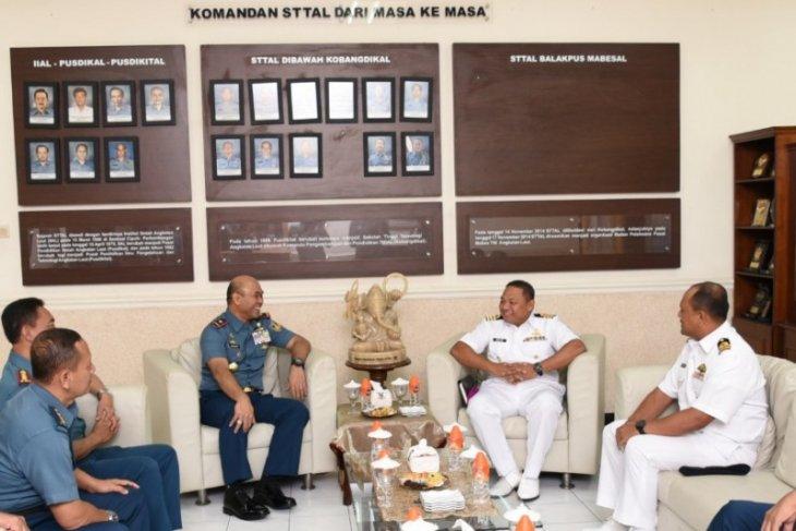 Perwakilan Tentera Laut Diraja Malaysia kunjungi STTAL