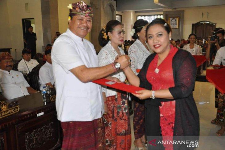 Tabanan miliki Ketua DPRD baru