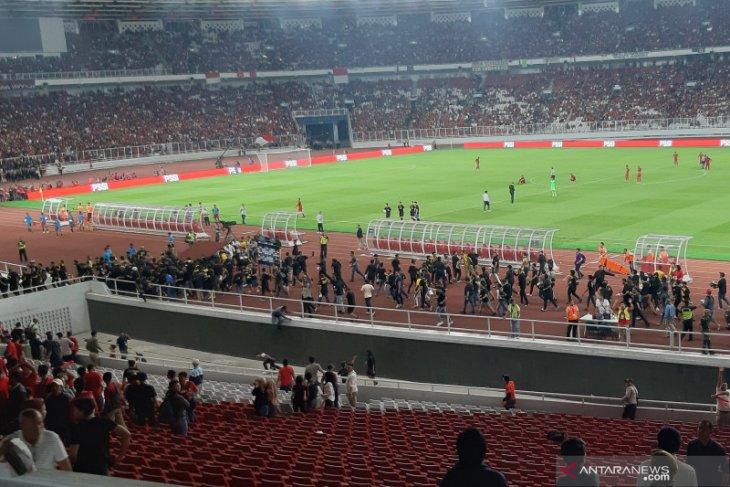 Indonesia vs Malaysia sempat dihentikan 10 menit karena ricuh