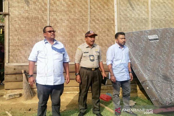 Puluhan rumah dan tempat usaha di Aceh Utara porak-poranda diterjang angin kencang