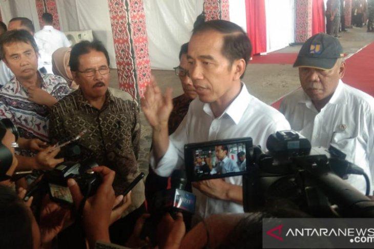 Jokowi: 1.000 sarjana Papua akan bekerja di BUMN