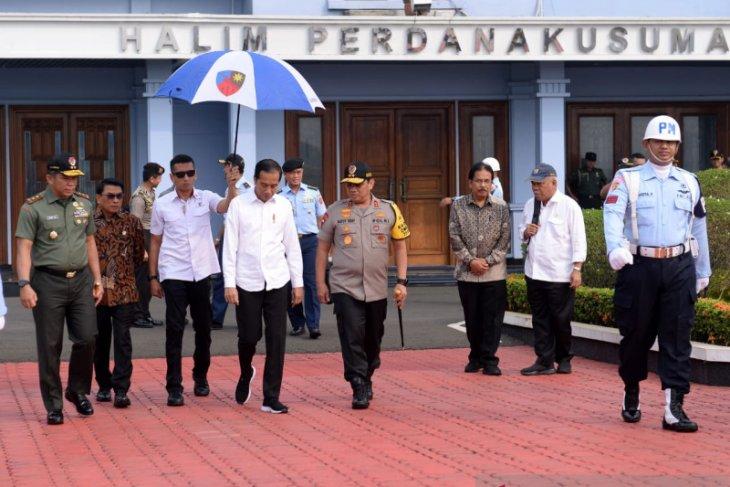Jokowi visits West Kalimantan to hands over TORA certificates