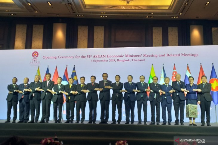 ASEAN economic ministers stress on RCEP finalization