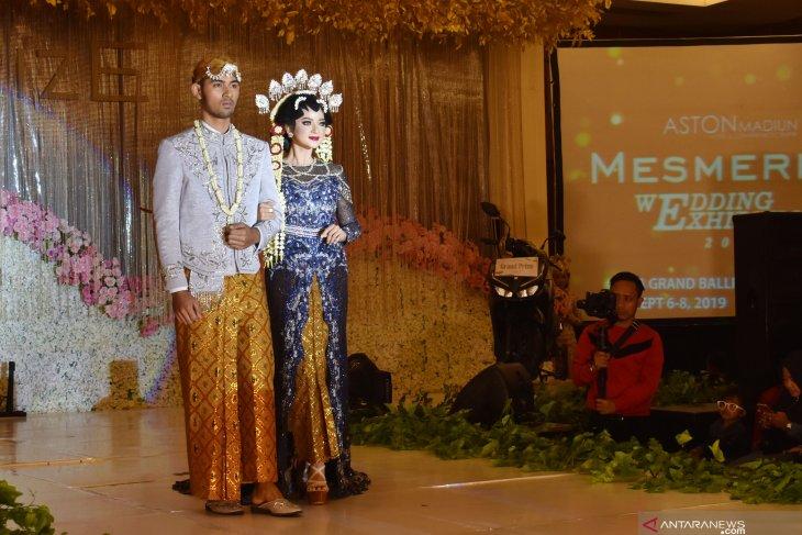 Peragaan busana pengantin
