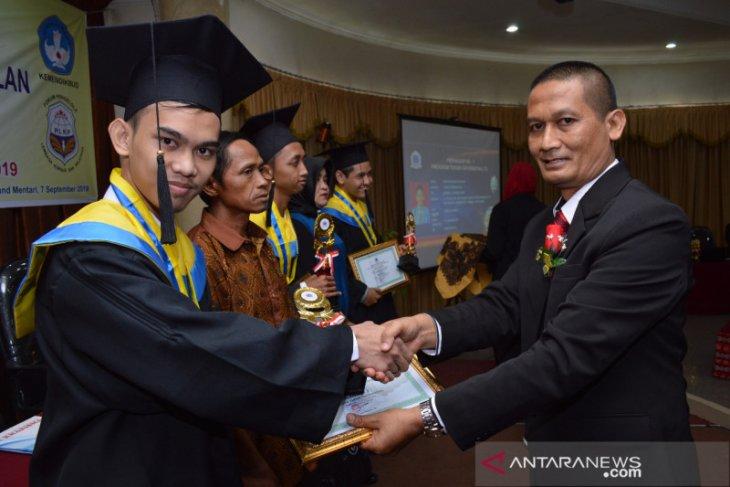 BP PAUD dan Dikmas Kalsel apresiasi LKP Kharisma