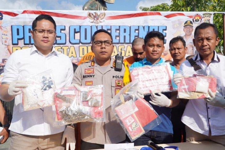 Polisi Denpasar tangkap 17 bandar narkotika