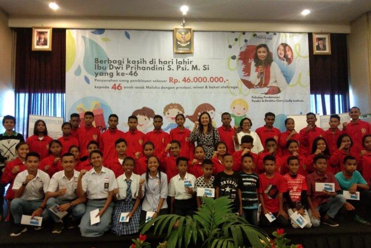 Direktur CCI berbagi dengan 46 atlet Maluku