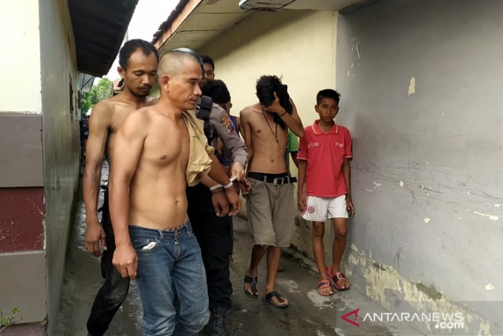 Gerebek kampung narkoba di Medan, tujuh orang diamankan
