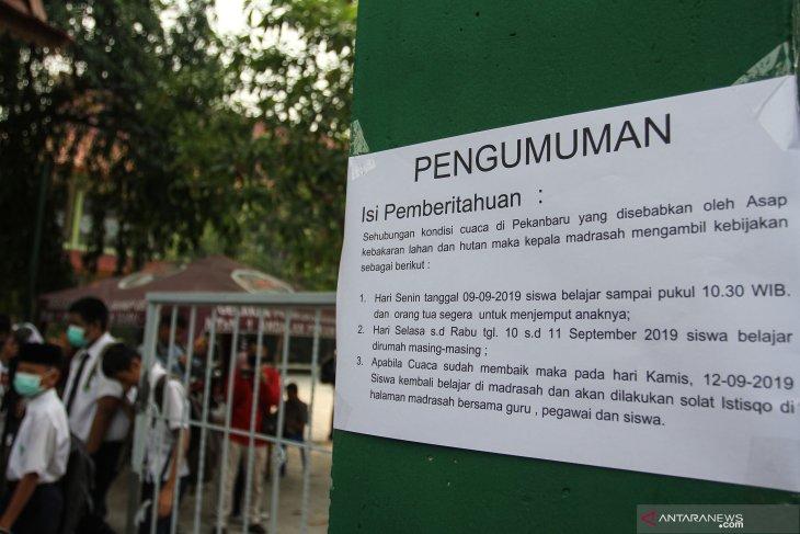 Seluruh sekolah di Pekanbaru libur akibat buruknya kualitas udara