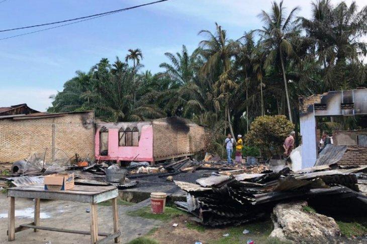 10 unit rumah warga Aceh Singkil terbakar