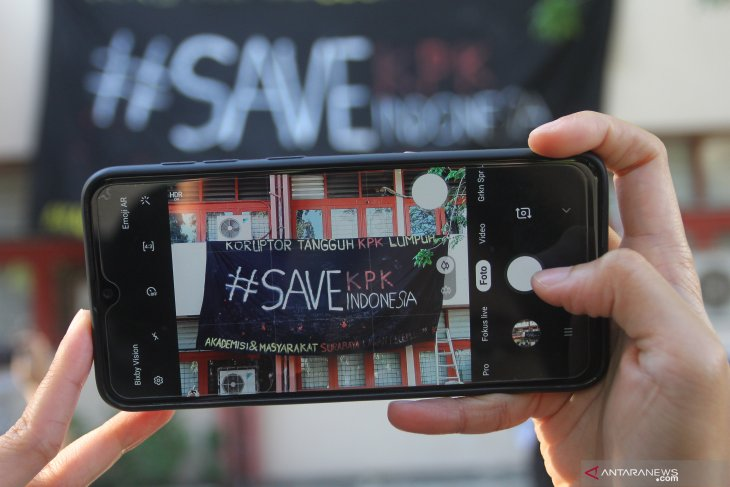 Aksi #Save KPK