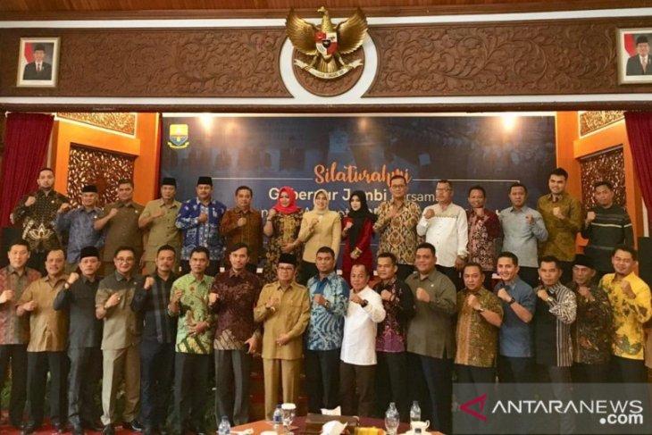 Dewan Provinsi Jambi jalin keakraban dengan eksekutif
