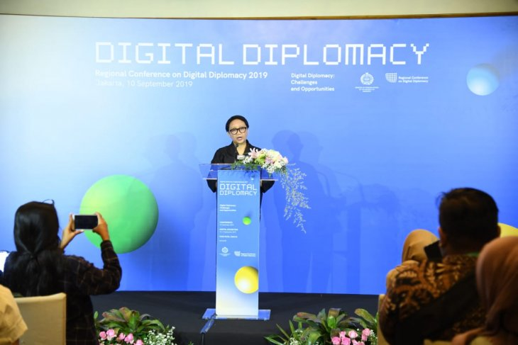 Foreign minister opens regional conference on digital diplomacy