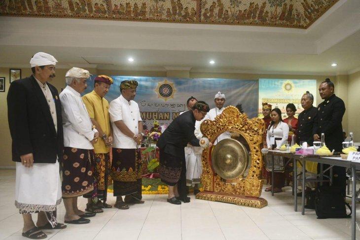 PHDI Bali bahas soal pelecehan pura dalam