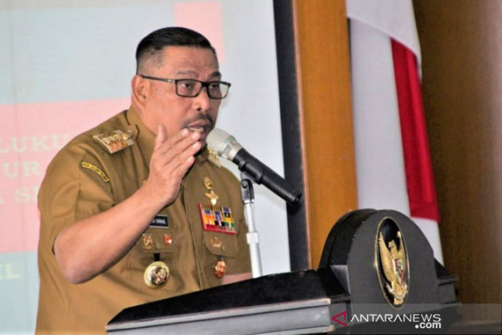 Gubernur dua legislator belum dilantik karena masalah internal