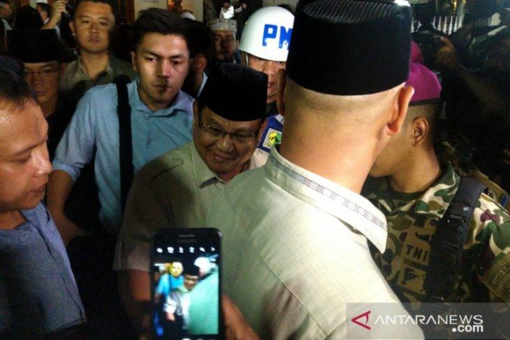 Prabowo datang sampaikan penghormatan kepada BJ Habibie