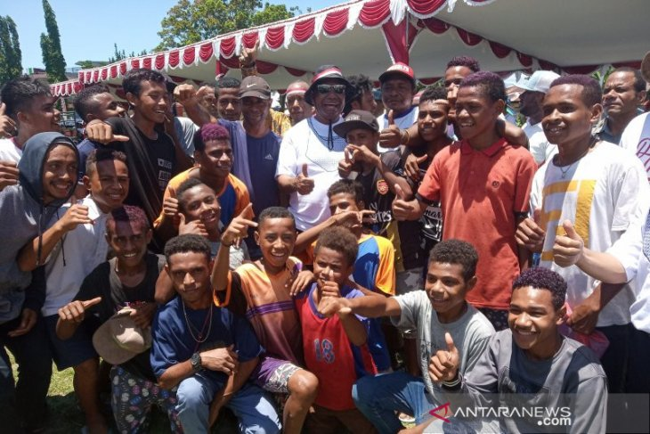 West Papuan children urged to emulate Habibie's excellence