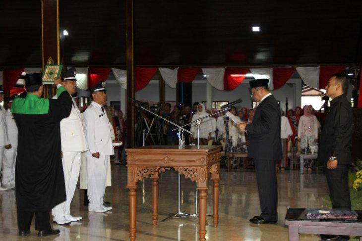 239 kepala desa hasil pilkades serentak Tulungagung dilantik