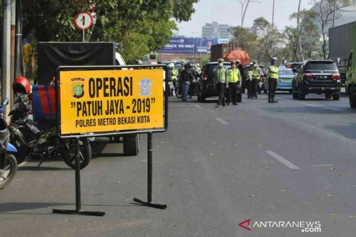 6.377 pengendara terjaring pada operasi Patuh Jaya di Bekasi
