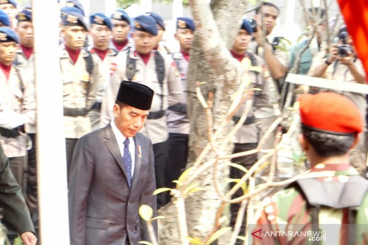 President Jokowi leads BJ Habibie's state funeral procession