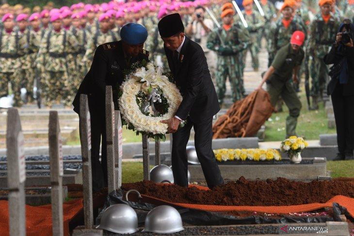 Ini rangkaian upacara pemakaman kenegaraan BJ Habibie
