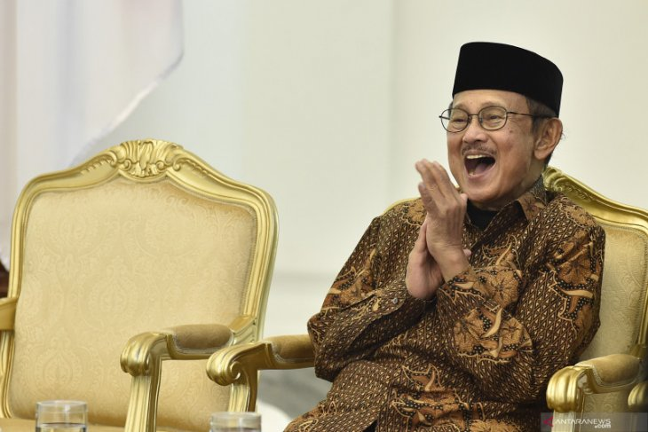House Speaker recalls Habibie as great statesman of Indonesia
