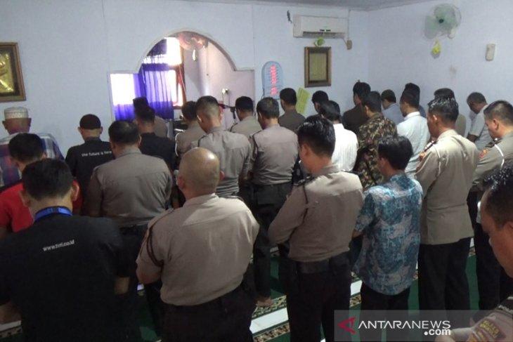Habibie wafat, Polres Bengkulu lakukan salat ghaib