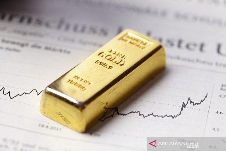 Harga emas sedikit menguat,  meski saham AS memperpanjang reli