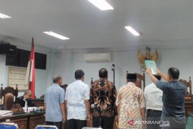 Mantan Bupati Simeulue mengaku sakit saat sidang  korupsi