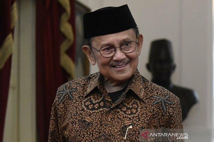 Gubernur Gorontalo : terima kasih sudah mendoakan BJ Habibie