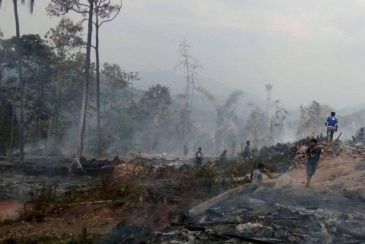 Pasca-kebakaran pemukiman Badui, BPBD Lebak dirikan tenda