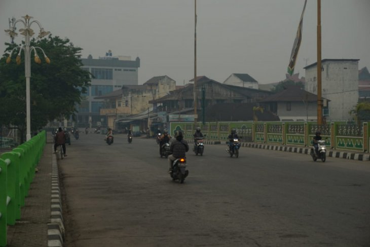 Tanah Grogot shrouded by thick smog