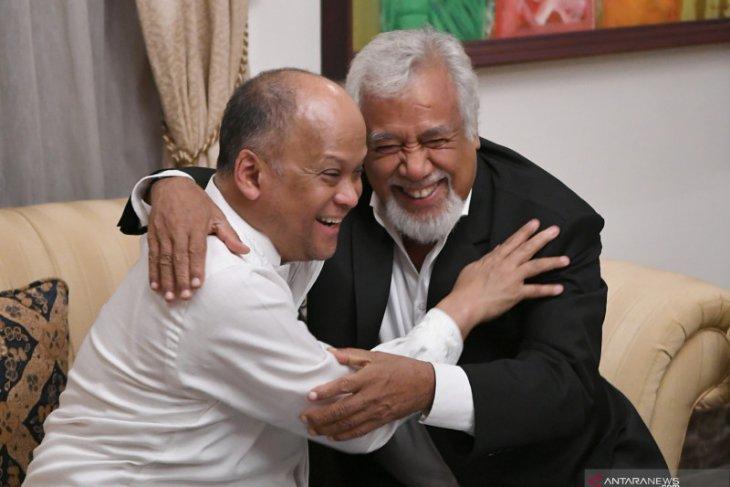Habibie ever urged Xanana to focus on human resources development