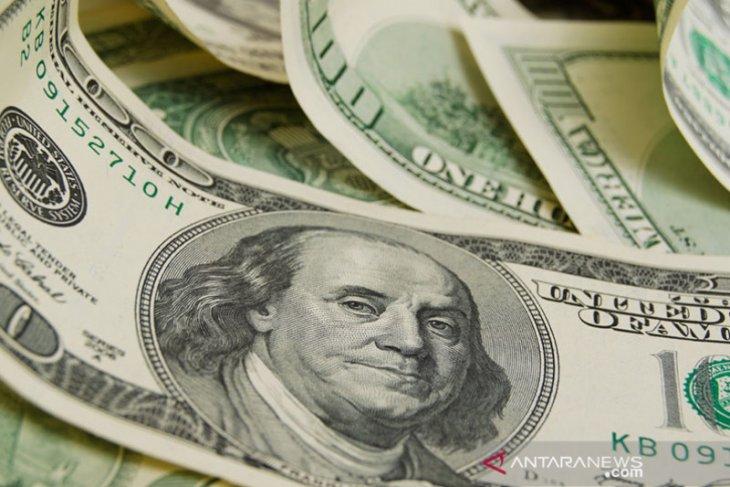 Kurs dolar AS melemah menjelang keputusan suku bunga Fed