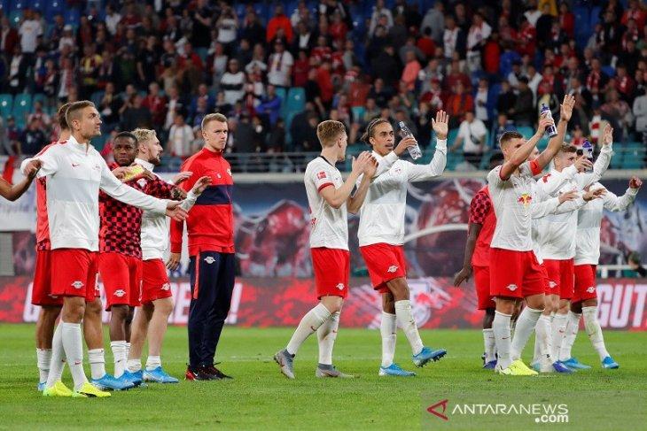 Leipzig bertahan di puncak Liga Jerman