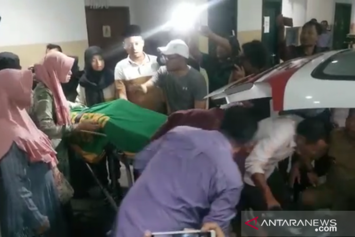 Jenazah Fuad Amin dimakamkan di Bangkalan pada Selasa pagi