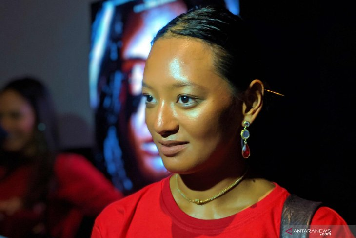 Asmara Abigail bolak-balik antarprovinsi demi film