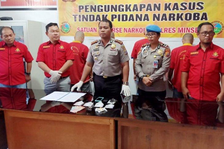 Polisi ringkus empat tersangka narkotika sabu