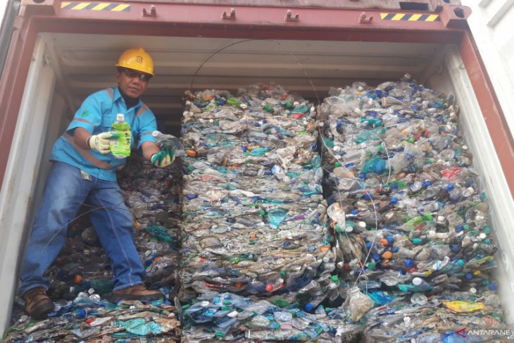 Indonesia re-exports hazardous waste to Australia