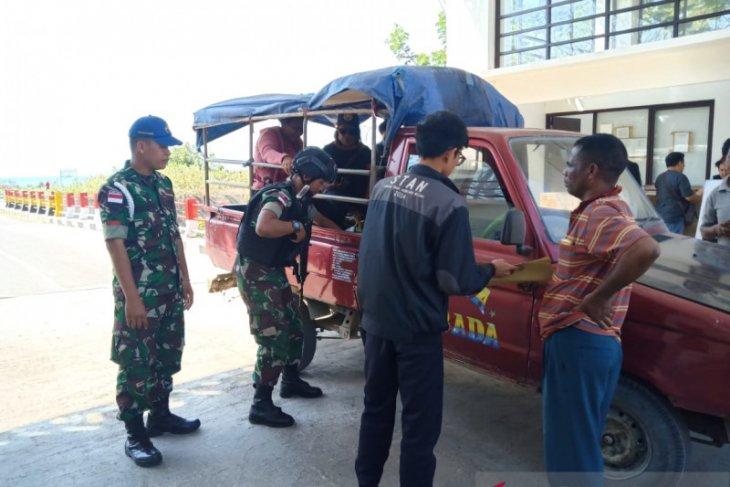 Satgas Pamtas Yonif Raider 142/KJ gagalkan penyelundupan BBM di perbatasan RI-Timtim