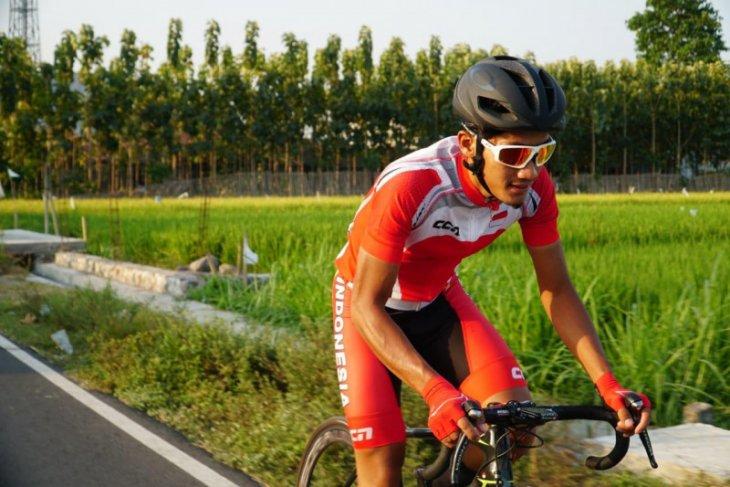 Pebalap Aiman Cahyadi tercepat etape dua Tour de Banyuwangi Ijen