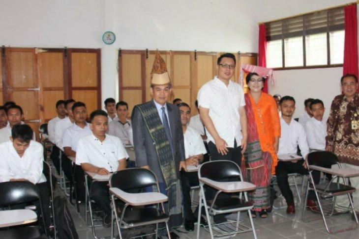 USI bermitra dengan perseroan siapkan lapangan kerja untuk lulusan