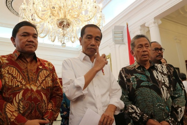 Minister Nahrawi steps down after being named graft suspect