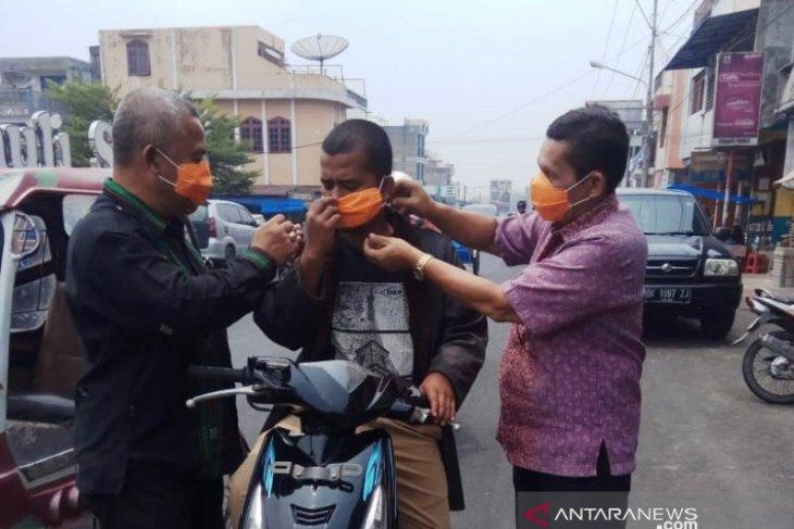 Akibat kabut asap, BPBD Tapanuli Selatan bagikan ribuan masker